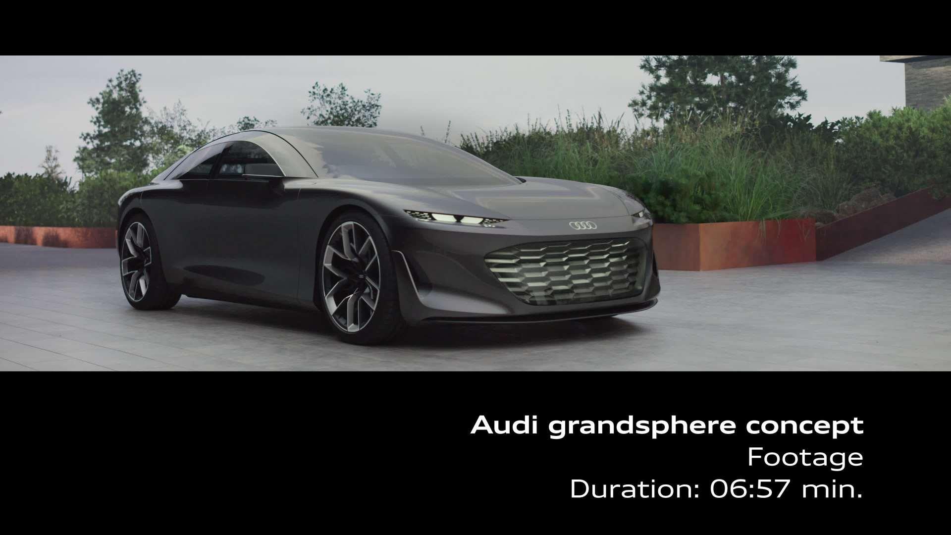 Footage: Driving scenes of the Audi grandsphere concept