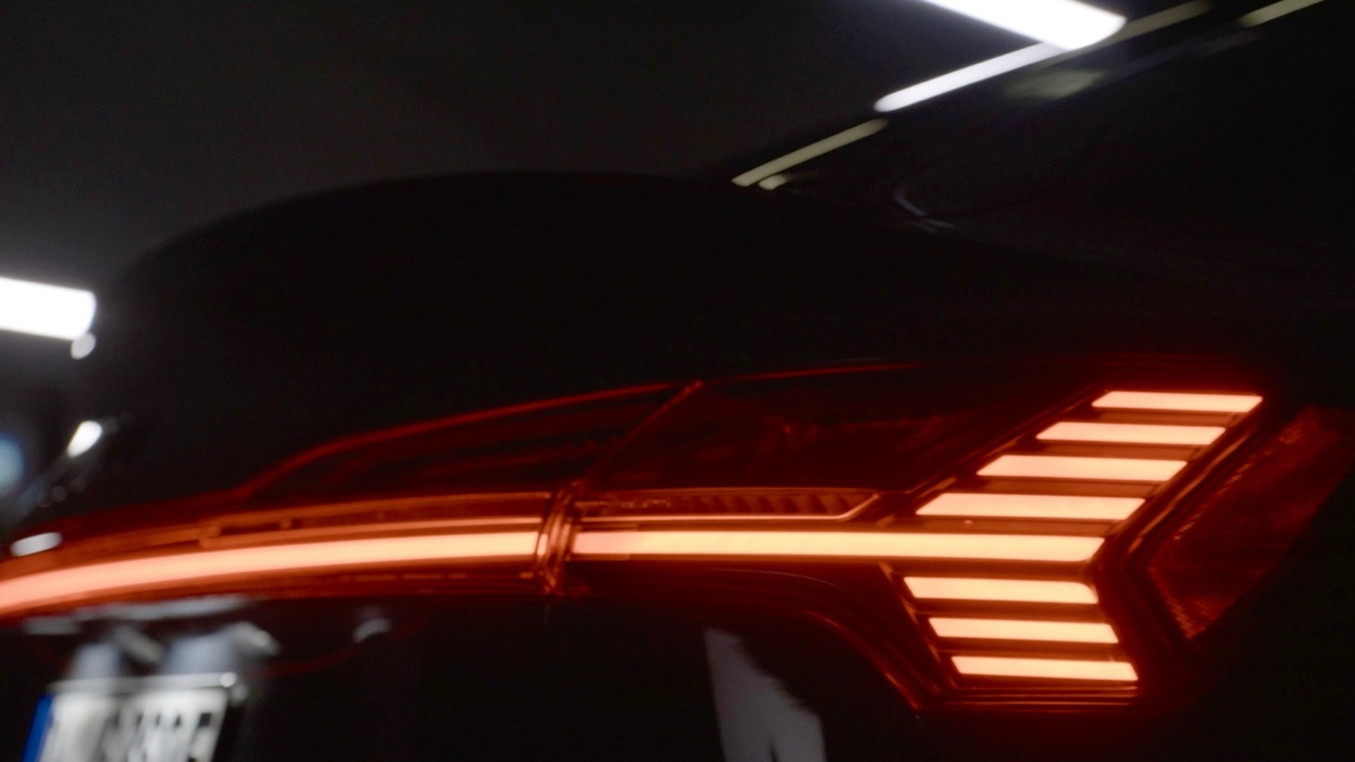 Teaser: Audi e-tron Sportback to be unveiled in LA