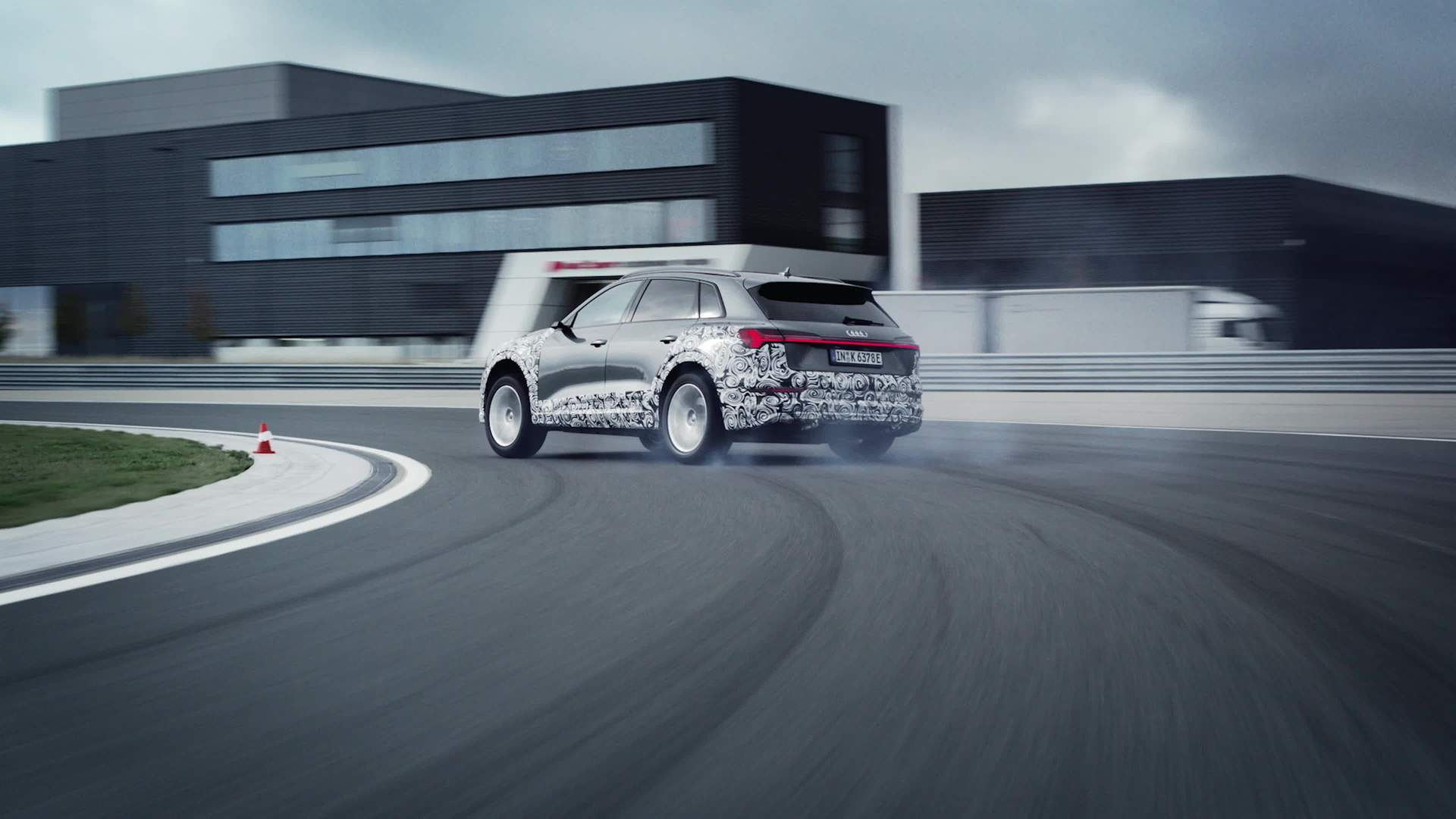 Audi e-tron S prototype – The Drift